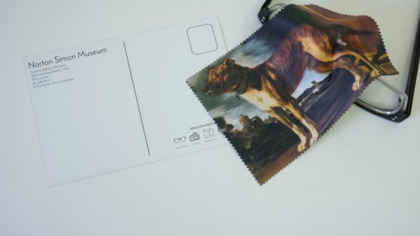 Microfiber Cloth and Postcard (Aldrovandi Dog)-0
